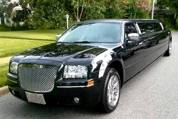 Chrysler 300 limo Fort Collins